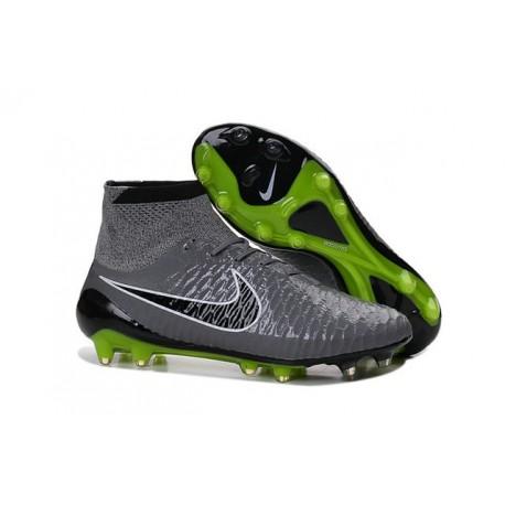 scarpe calcio nike 2015