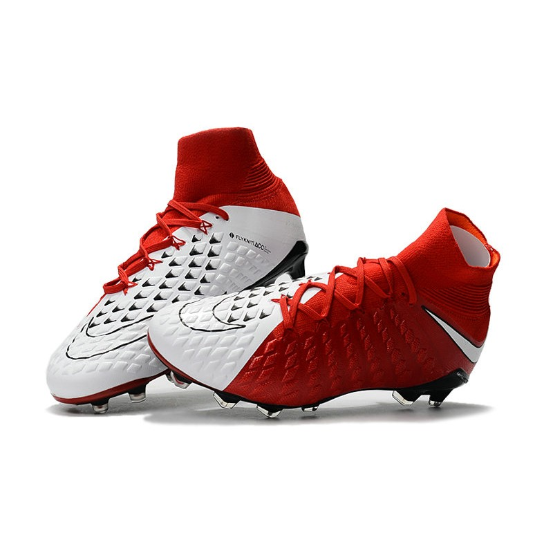scarpe con calzino da calcio rosse