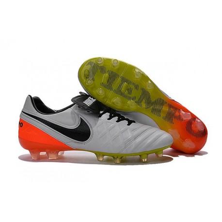 2016 Scarpa da calcio per terreni duri Nike Tiempo Legend VI - Uomo Bianco Nero Arancione Totale Volt