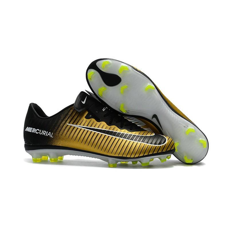 cr7 scarpe oro